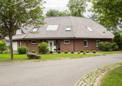 Einfamilienhaus mit Walmdach